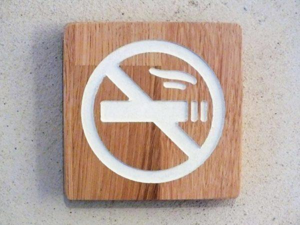 panneau interdiction de fumer en bois massif gravé et peint