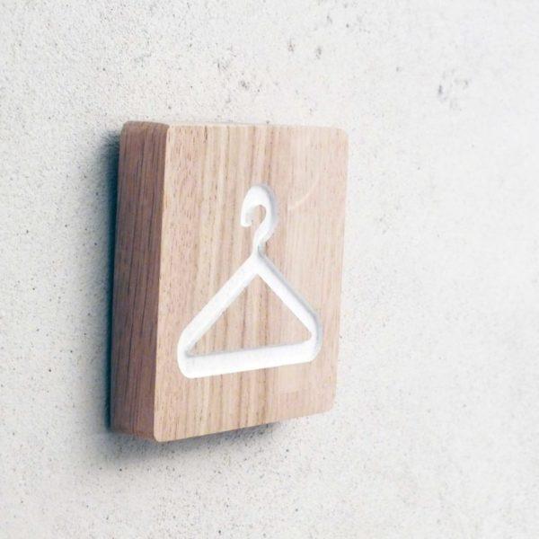 panneau en chêne pour vestiare ou dressing
