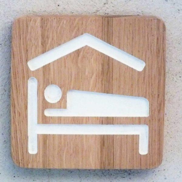 panneau en bois massif pour chambre d'hôtes