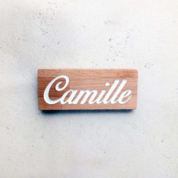 panneau en bois gravé pour porte de chambre