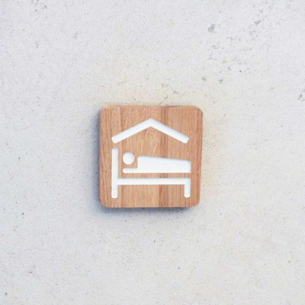 panneau signaletique en bois pour chambre d'hôtes