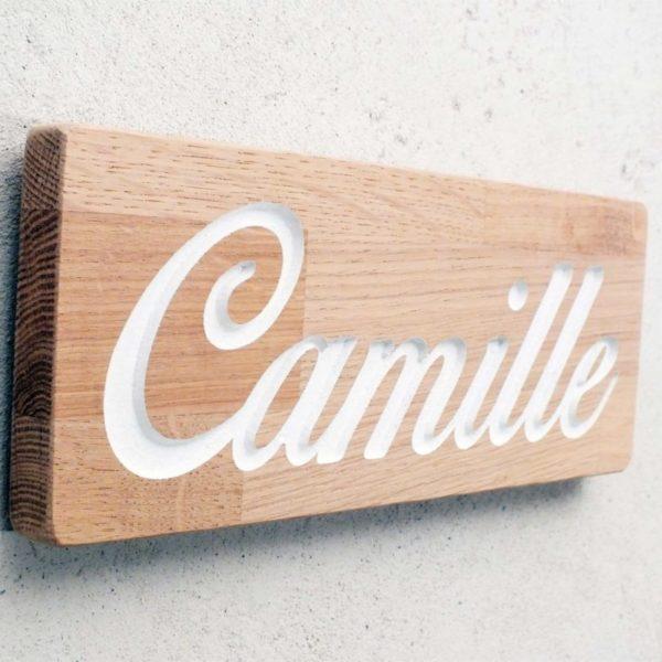plaque de chambre en chêne avec prénom gravé