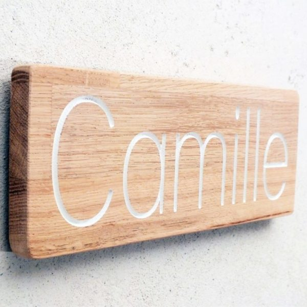 pancarte en bois avec prénom pour chambre d'enfant