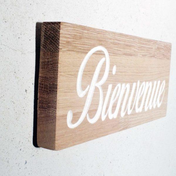 plaque de porte en bois massif avec inscription bienvenue