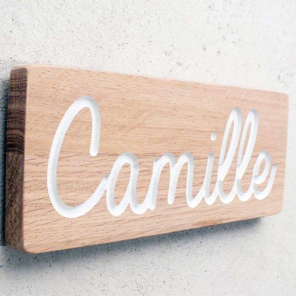 plaque avec prénom gravé pour porte de chambre