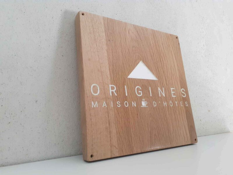 gravure sur bois de logo chambre d'hôte