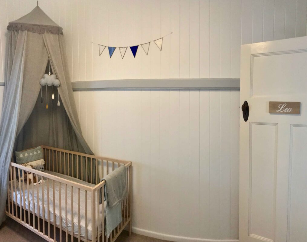 Déco pour chambre d'enfant avec plaque de porte en bois