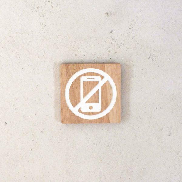 panneau en bois gravé téléphone mobile interdit
