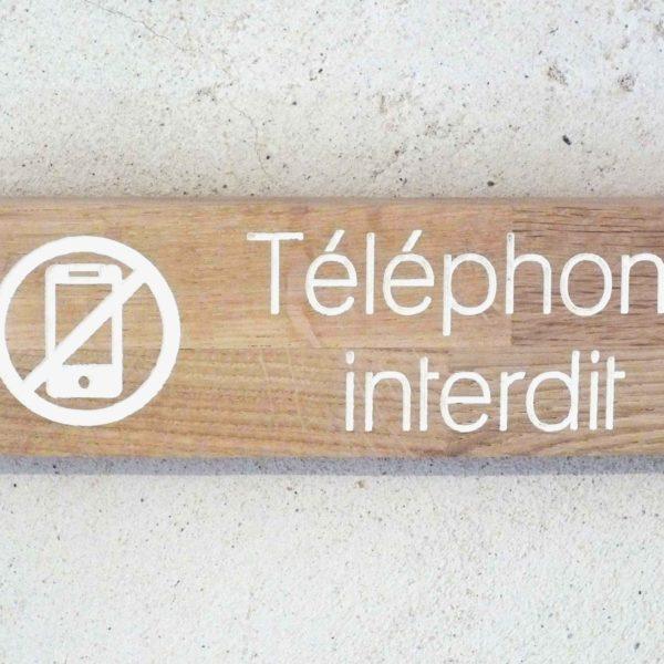 panneau en bois pour interdiction de telephoner