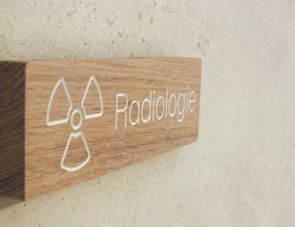 panneau en bois pour cabinet de radiologie