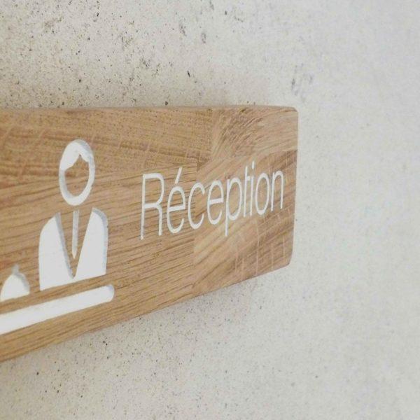 panneau en bois pour réception
