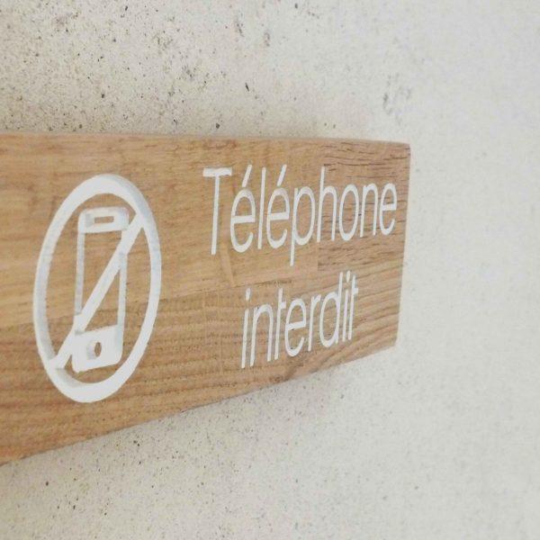 panneau téléphone interdit en bois