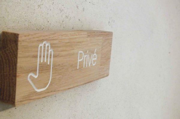 panneau en bois accès privé