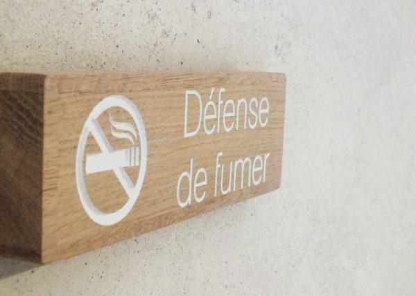 panneau signalétique bois défense de fumer